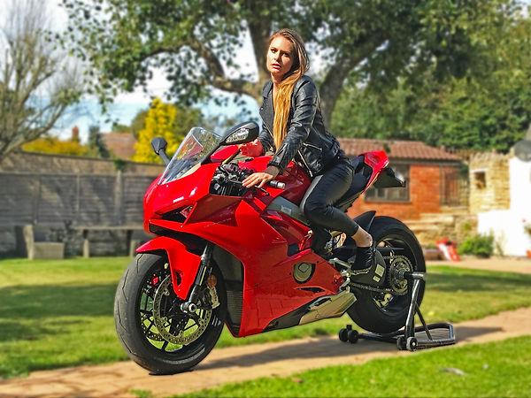 Sophie Ducati V4.jpg