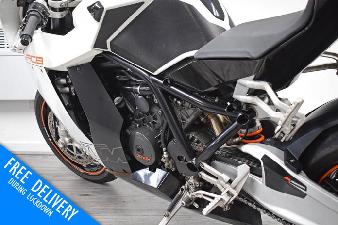 Used KTM RC8 1190 for sale northampton bike sanctuary front left rear close.jpg