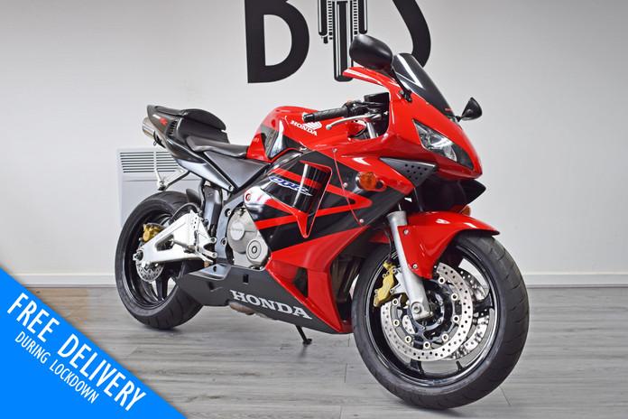 Used Honda CBR600RR Red For Sale Northampton Bike Sanctuary front right.jpg