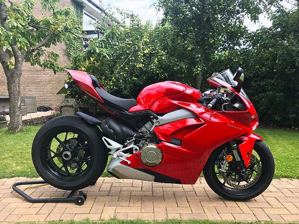 Static Ducati Panigale V4.jpg