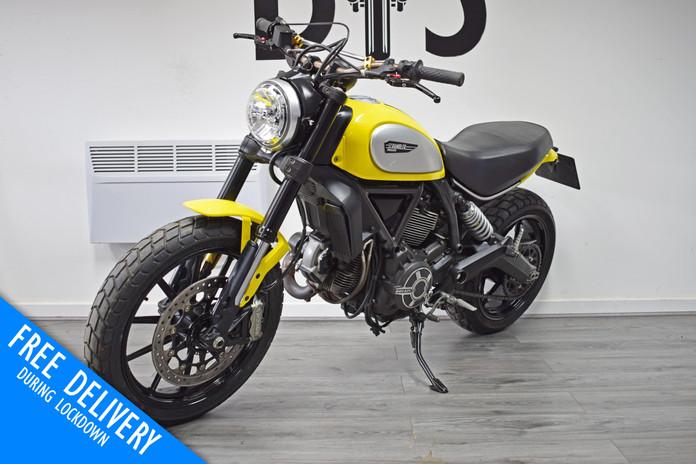 Used Ducati Scrambler 800 Icon Flat Tracker for sale Northampton Bike Sanctuary front left