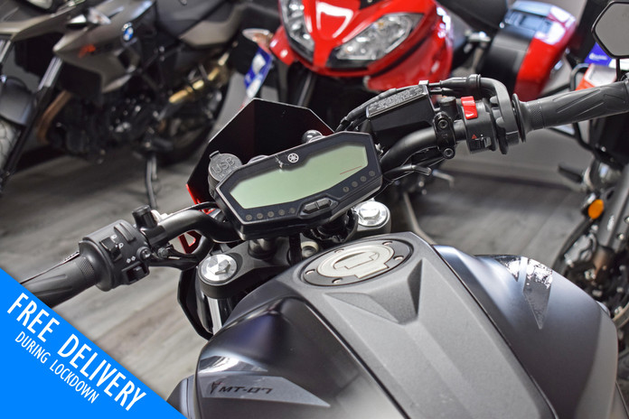 Used yamaha MT07 Black 2020 for sale northampton bike sanctuary clocks tank.jpg