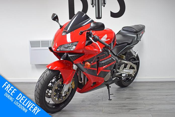 Used Honda CBR600RR Red For Sale Northampton Bike Sanctuary front left.jpg