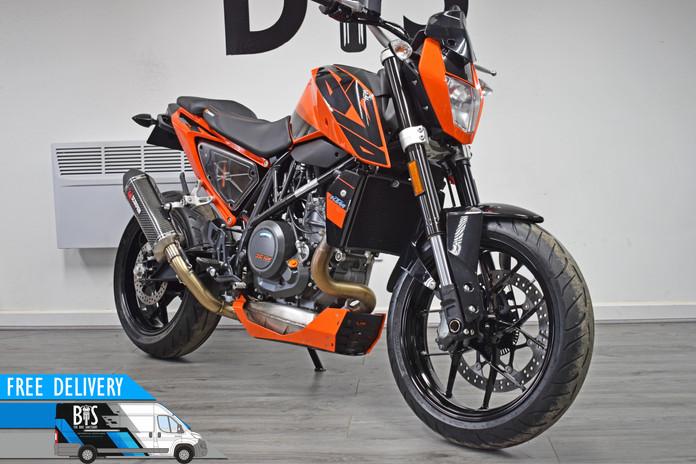 Used KTM 690 Duke for sale northampton bike sanctuary front right.jpg