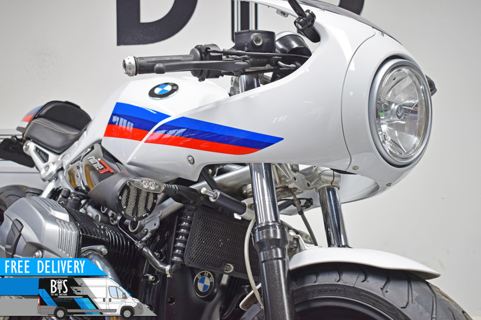 Used BMW R9T Racer for sale Northampton Bike Sanctuary front fairing.jpg