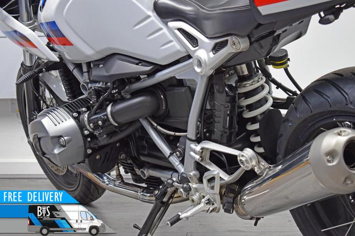 Used BMW R9T Racer for sale Northampton Bike Sanctuary left rear close.jpg