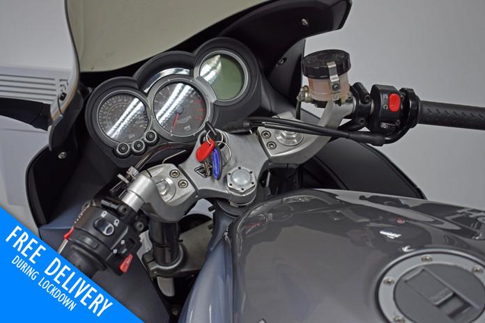 Used Triumph Sprint ST 1050 for sale Northampton Bike Sanctuary clocks tank.jpg