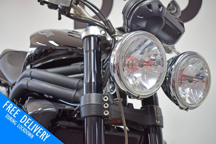 Used Triumph Speed Triple 1050 Black for sale northampton bike sanctuary headlights.jpg