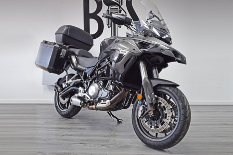 used benelli trk 502 adventure for sale northampton bike sanctuary front right.jpg