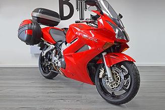 Used Honda VFR800 VTECH for sale northampton bike sanctuary front right.jpg