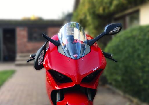 Broken Mirror - Ducati Panigale V4