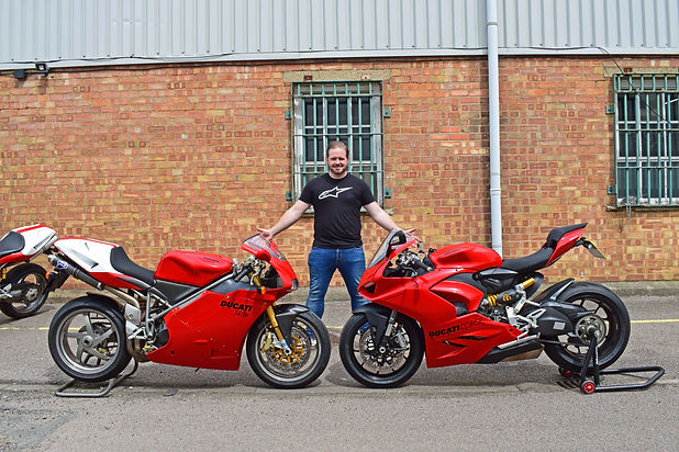 Testing the Ducato 748R and Panigale V2.