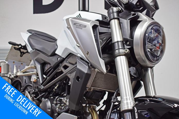 Used Honda CB125R 125 for sale northampton bike sanctuary headlight.jpg