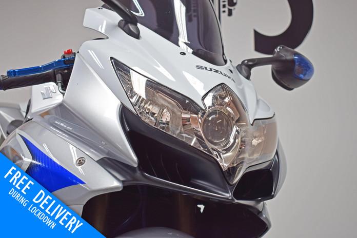 Used Suzuki GSXR600 K8 White for sale northampton bike sanctuary headlight.jpg