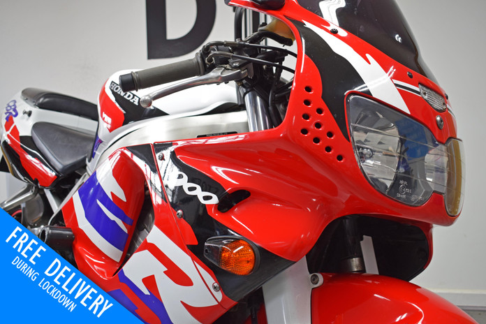 Used Honda CBR900RR Fireblade 1996 for sale northampton bike sanctuary front fairing.jpg