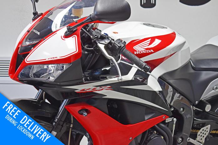 Used Honda CBR600RR for sale red white northampton bike sanctuary front left close.jpg