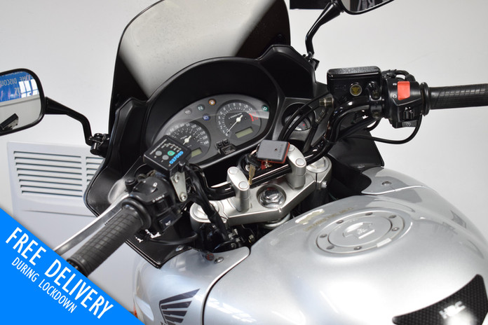 Used Honda CBF600 Tourer for sale northampton bike sanctuary clocks tank.jpg
