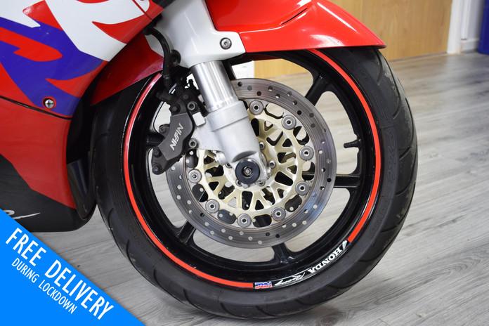 Used Honda CBR900RR Fireblade 1996 for sale northampton bike sanctuary front wheel.jpg