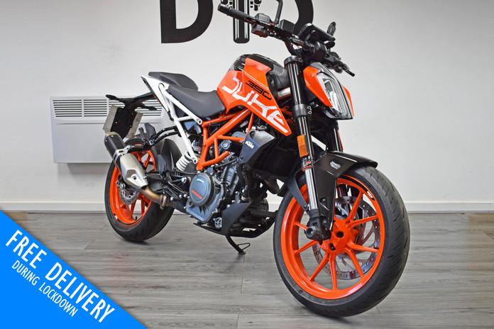 Used KTM Duke 390 for sale northampton bike sanctuary front right.jpg