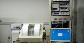 2T電磁石搭載 高真空低温多目的測定装置 (サーマルブロック社)