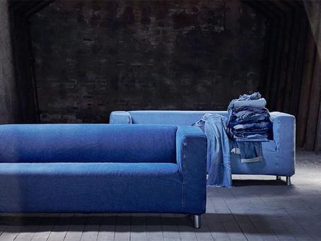 Calças jeans usadas são transformadas em capas para sofá