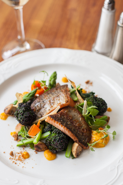 Harbour House Newcastle, good food and accommodation in