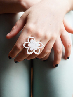 Flower ring - Florrie x Designosaur