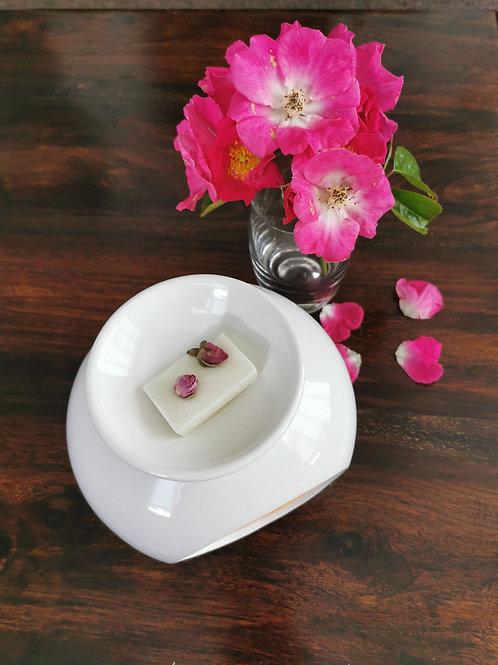 Oval white gloss burner