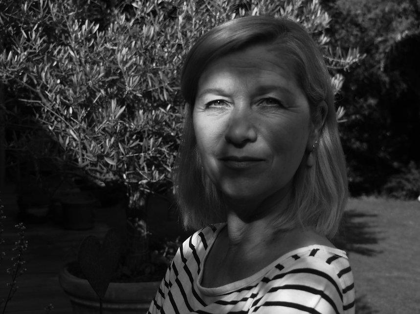 Schwarzweiss Foto einer Frau