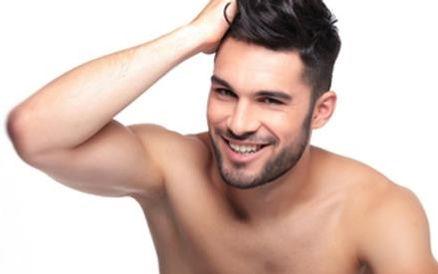 caduta dei capelli uomo cura con PRP plasma ricco di pistrine, dermatologo Dott. Emilio Betti Direttore DermoEstetica Italiana