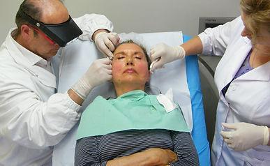 lifting con i fili del viso e del collo il più duraturo e sicuro. metodica del Dott. Emilio Betti