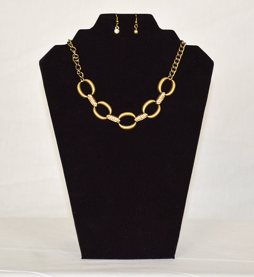 Elegant Loops Earrings and Necklace Set