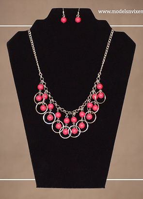 My Pretty Fusia Earrings and Necklace Set.