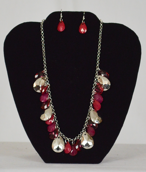 Prissy Necklace and Earrings Set