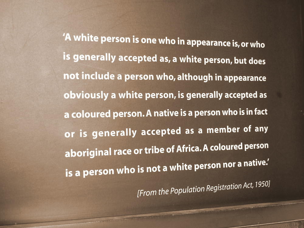 Extrait de la loi de Classification de la Population, fondement du régime de l'apartheid