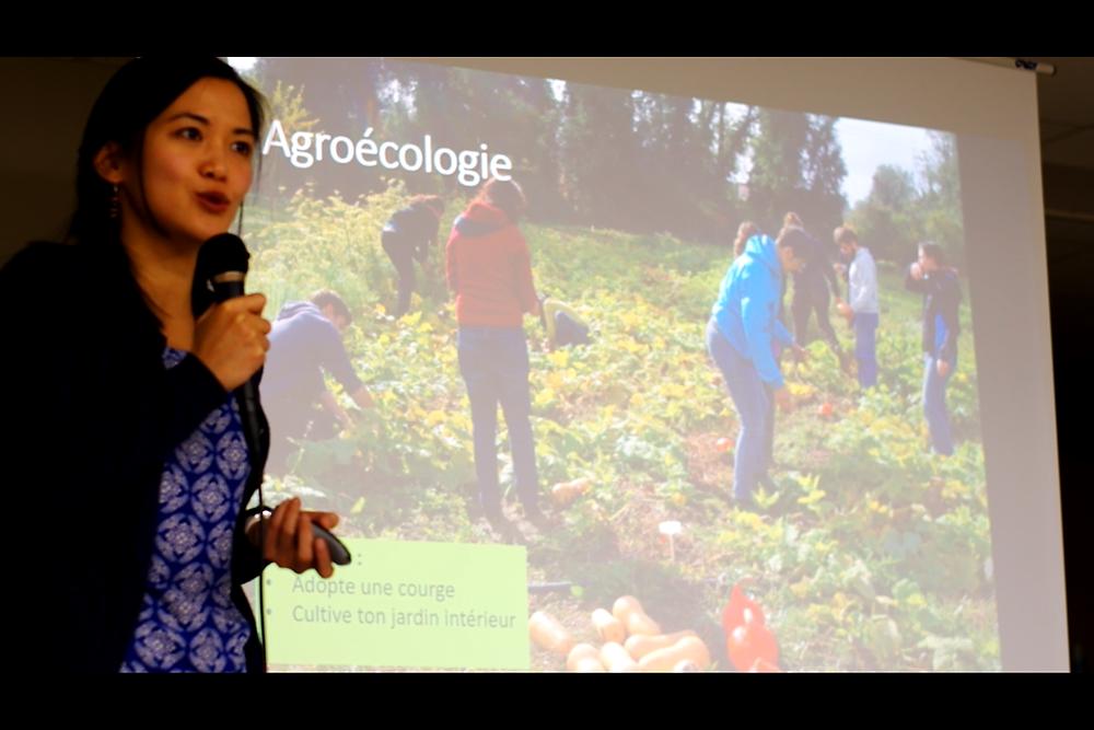Le partage des bonnes pratiques est une des nombreuses solutions ! Ici par Kissline, représentante du mouvement Colibris.
