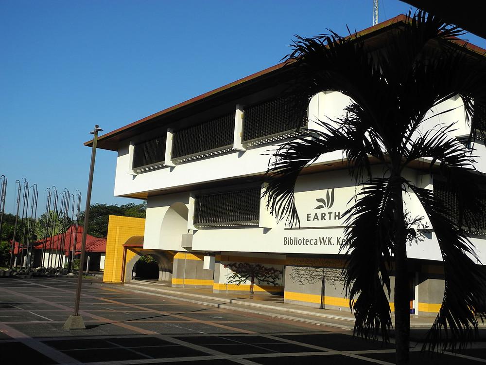 La grande bibliothèque EARTH, centre du campus de l'université costaricaine.