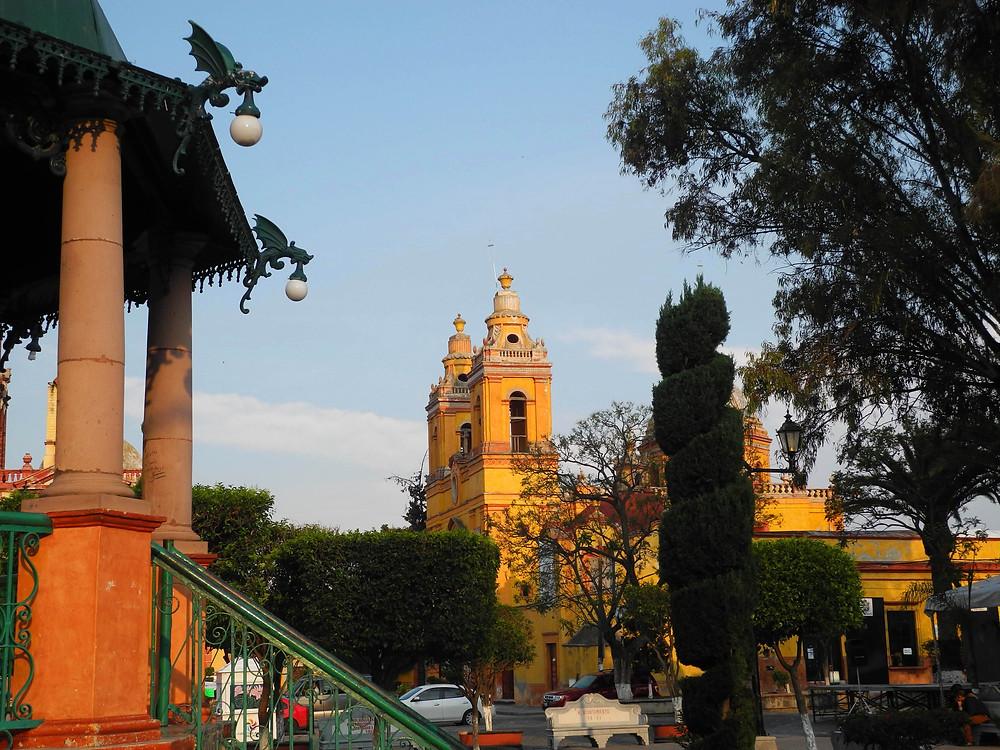 Comme au centre de tous les villages du Mexique, Cadereyta a son jardin.