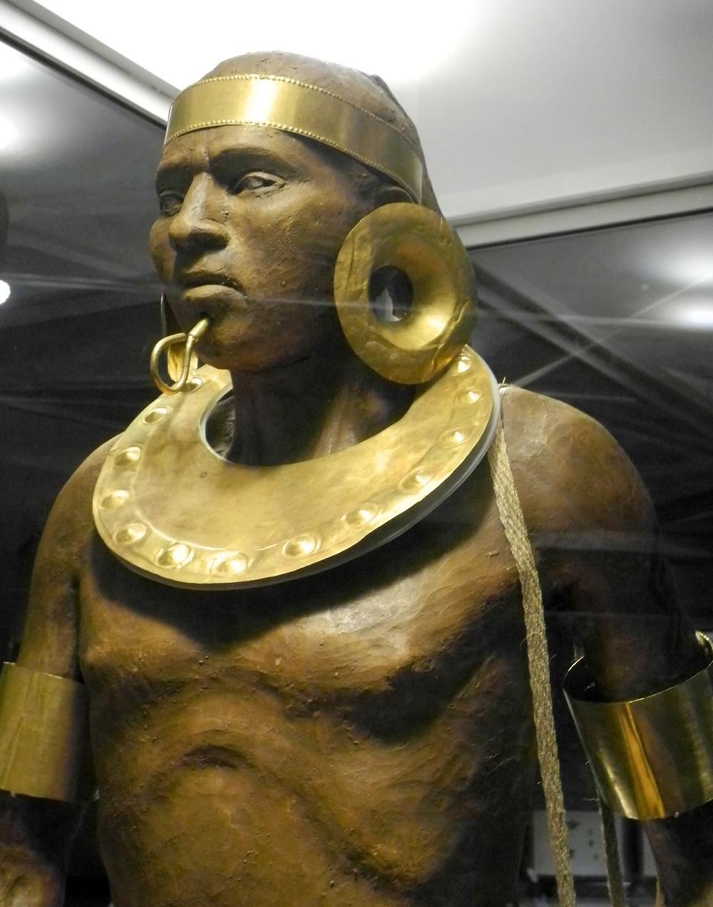 L'or servait aussi aux parures des Bribris, notamment.