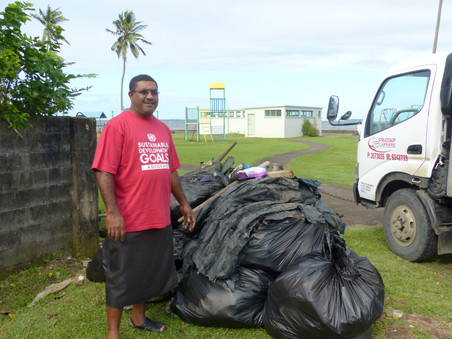Moses participe à rendre les plages plus propres !