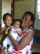 Grand-mère et petites-filles