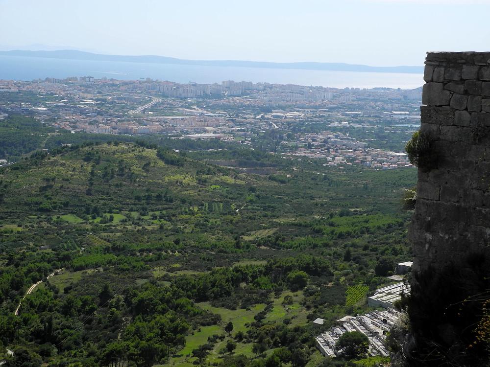 Chaude journée sur Split et les ruines de Klis.