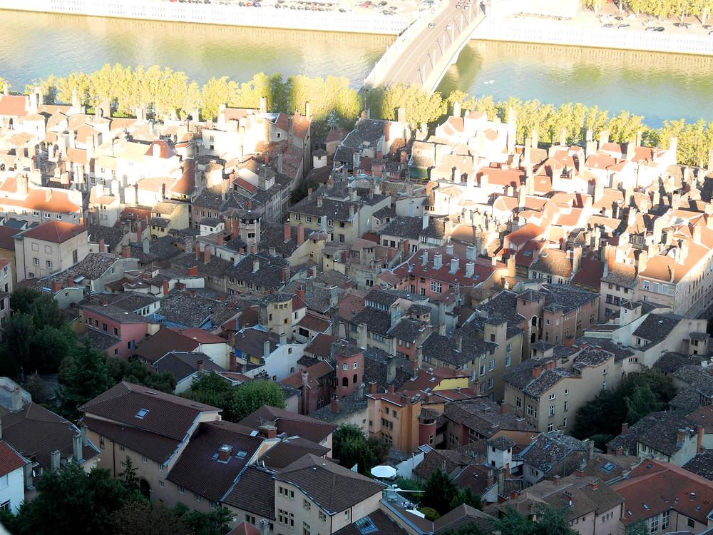 Entre les quais de la Saône et l'ombre de la colline : Vieux Lyon