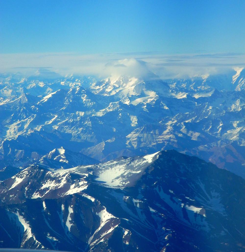 Le mont Aconcagua (6 962 m) que notre avion cotoie sans présomption...