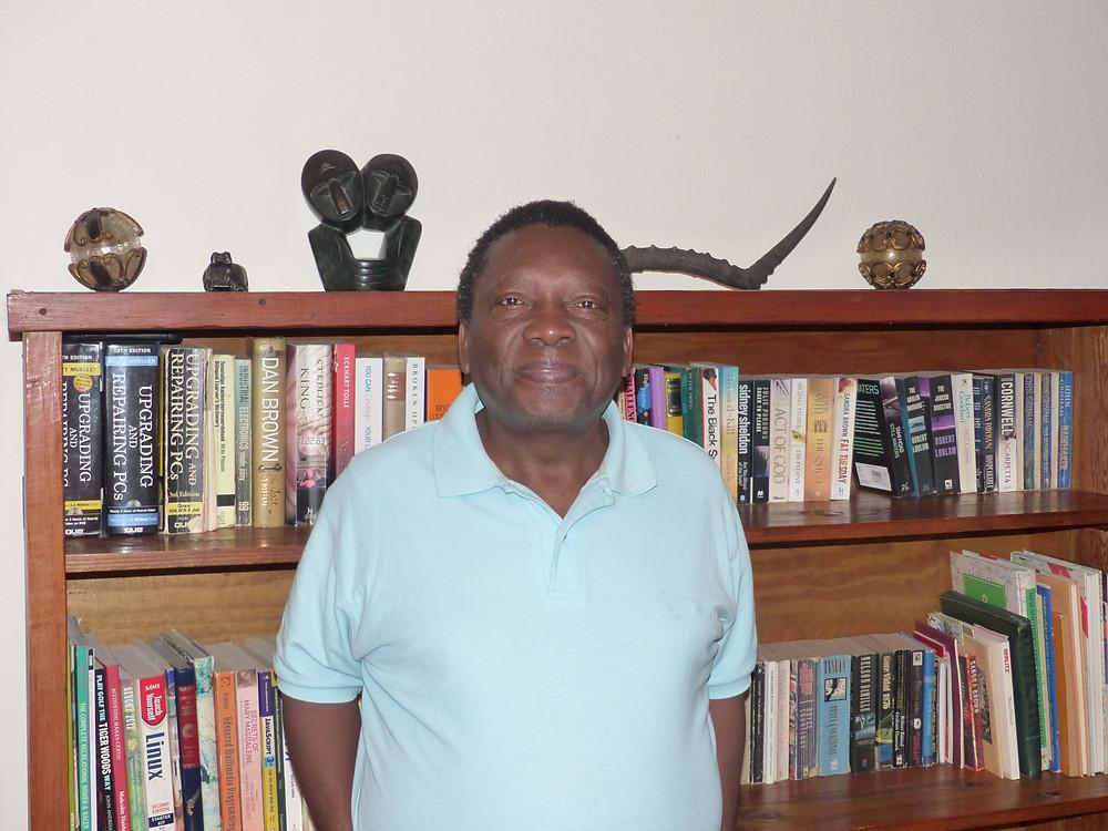 Mboniseni me reçoit aimablement chez lui.