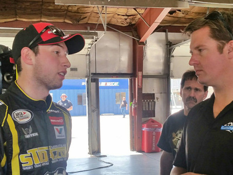 Briscoe, Enfinger in composite cars lead morning test at MIS