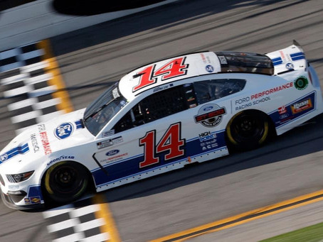 Top-10 Run Ends After Late-Race Contact, P32