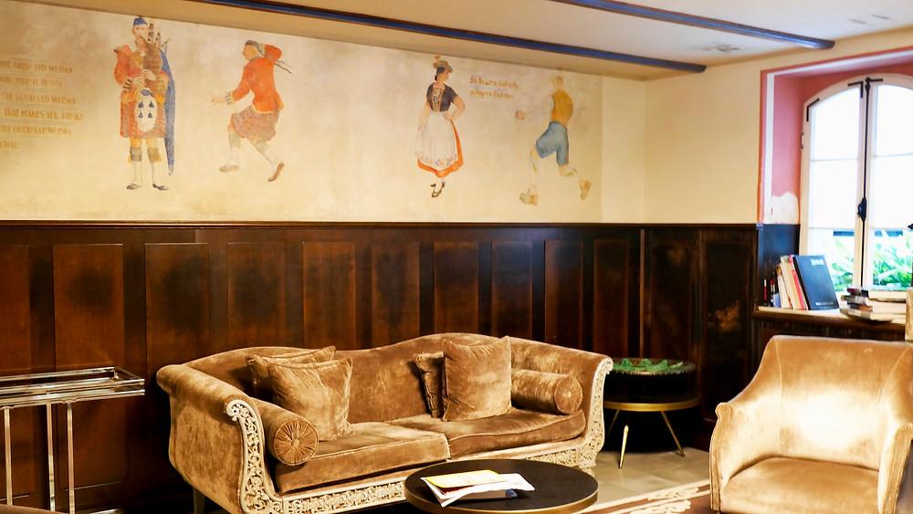 Wandmalreien im  Drisco Hotel in Jaffa