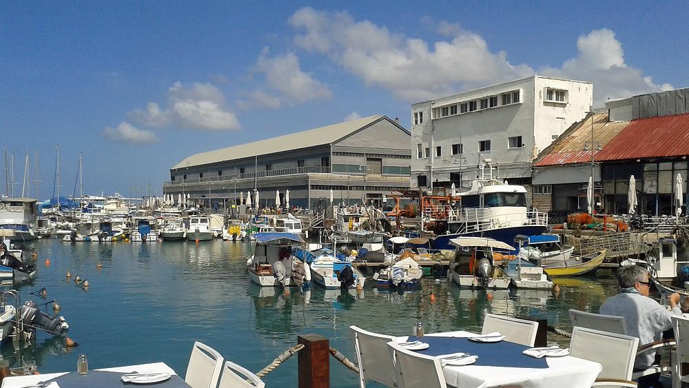Hafen in Jaffa mit seinen Fisch Restaurants