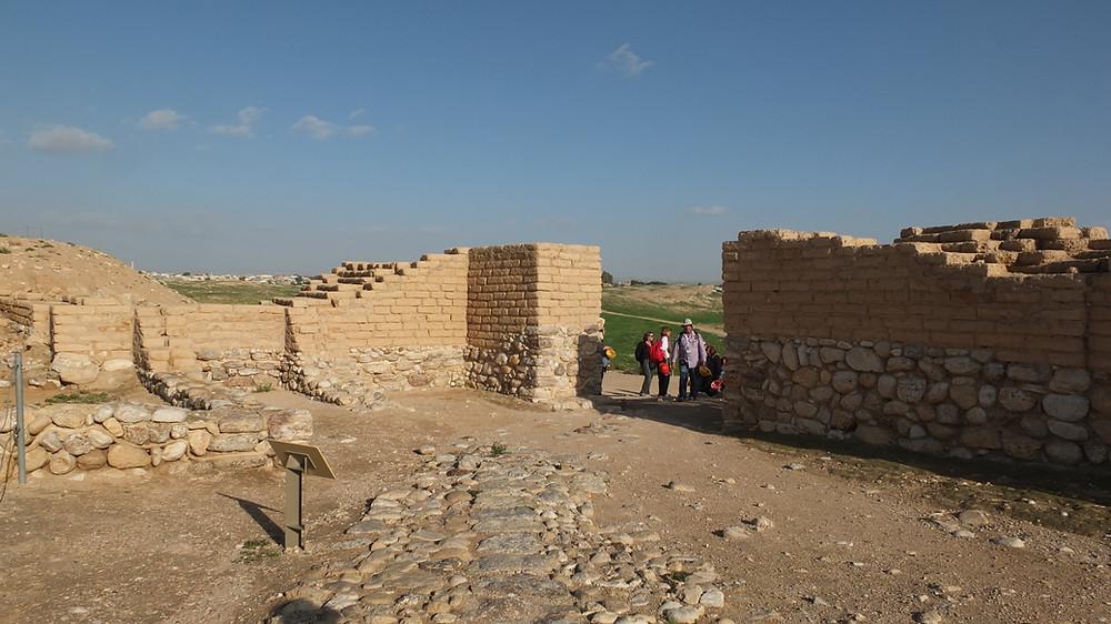 Stadtmauer und Tor, Tel  Beer Sheva, Israel